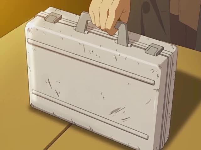 "They used that same suitcase in ""Lost"" too–but to hold totally different things"